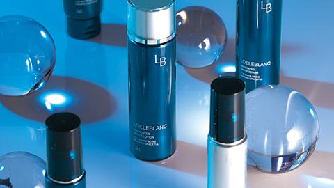 【デザインの裏側】小道具を効果的に使用した化粧品撮影